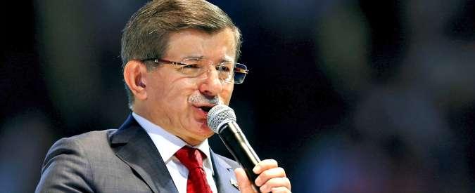 """Turchia, i due ministri curdi lasciano il governo: """"Nel Paese c'è aria di guerra"""""""