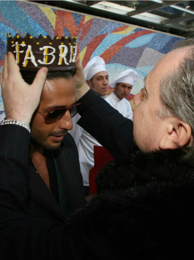 """Lele Mora: """"Corona mi ha mandato in rovina come la Pascale sta facendo con Berlusconi"""""""