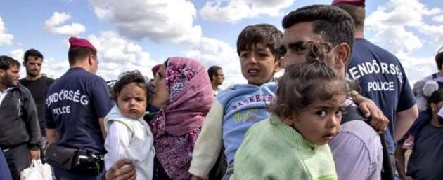 Migranti Ungheria 2 675