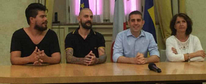 Parma, la questura riconosce lo status di famiglia a una coppia gay