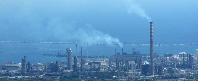 """Petrolchimico Priolo, sentenza d'appello per la morte di un operaio: """"Dimostrata esposizione all'amianto degli abitanti"""""""