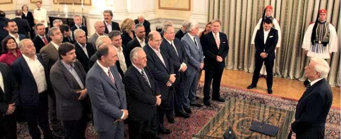 Grecia, giura il governo Tsipras bis. Tsakalotos resta all'Economia, alla Difesa l'alleato nazionalista Kammenos