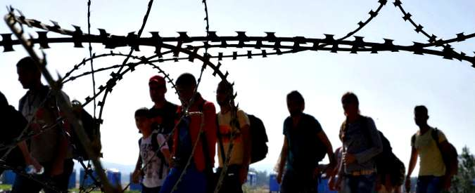 """Ungheria, sì a detenzione per i richiedenti asilo. Orban: """"Siamo sotto assedio"""""""