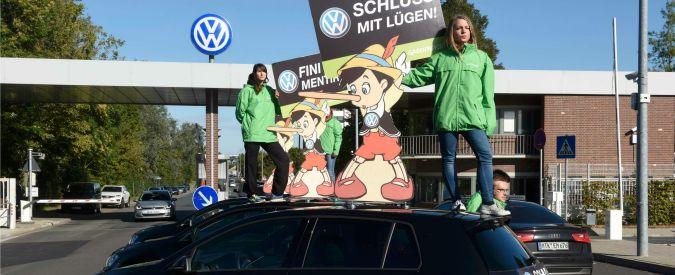 """Volkswagen, """"manipolati valori Co2 solo per 36mila auto, non 800mila"""". E rivede al ribasso costi: """"Meno di 2 miliardi"""""""