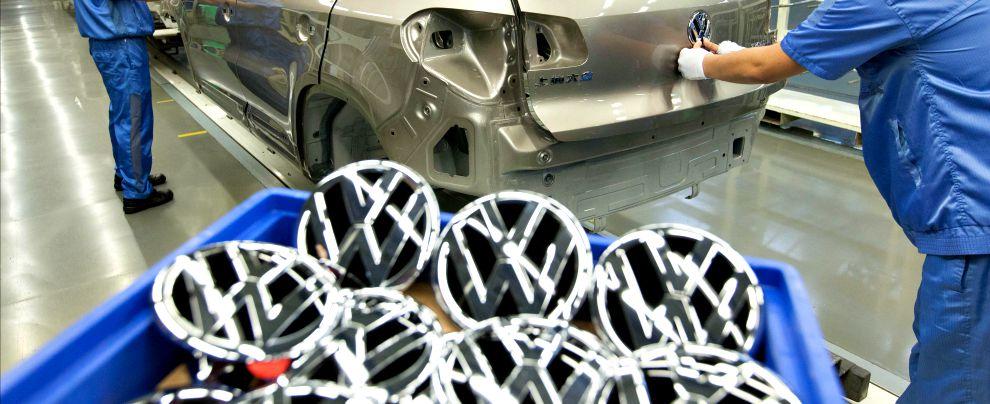 """Volkswagen, richiamo entro poche settimane. Nencini: """"I clienti non hanno nulla da temere"""""""