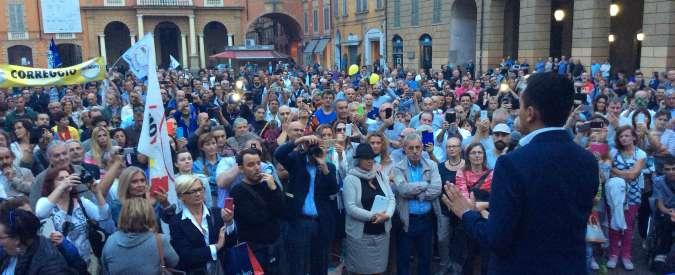 """Acqua pubblica, M5S in piazza a Reggio Emilia. I comitati: """"Finalmente l'attenzione della politica"""""""