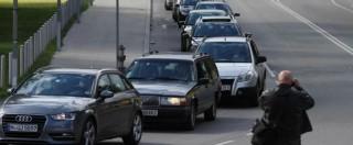 """Profughi, volontari in auto da Vienna all'Ungheria per accompagnarli. Vaticano: """"A disposizione due appartamenti"""""""