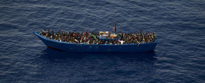 Migranti, barcone si ribalta nell'Egeo: 17 morti. Oggi salvate già quasi 800 persone