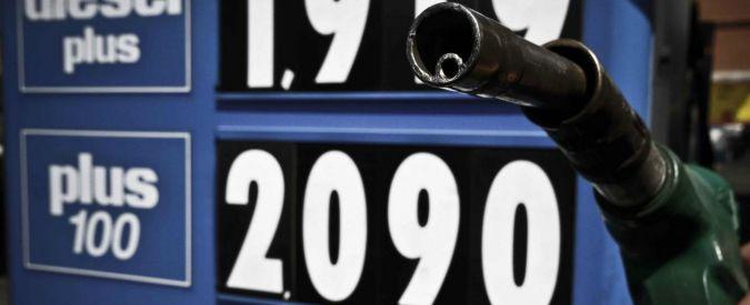 Benzina, ecco perché alzare le tasse è il male economico assoluto