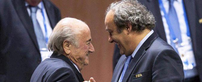 """Fifa, Blatter indagato in Svizzera: """"Fondi illeciti per due milioni a Platini"""""""