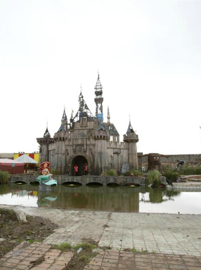 castello dismaland2-675mag