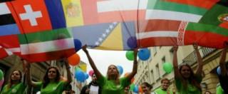 Gli italiani scappano all'estero? Quando per i politici la soluzione è un biglietto gratis per l'Interrail