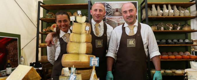 Slow Food, 150mila firme al ministro Martina contro il latte in polvere dell'Ue