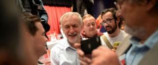 """Gb, Corbyn: """"Mia prima azione da leader labour sarà marciare per i rifugiati"""""""
