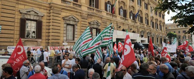 "Esodati, sindacati in presidio davanti al Tesoro: ""Salvaguardia per tutti i 50mila"""