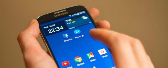 Facebook, Zuckerberg porterà la realtà virtuale su smartphone con un'app video