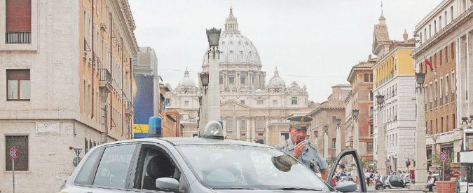 Roma, mazzette a dipendenti comunali in cambio di pratiche edilizie veloci: quattro agli arresti domiciliari