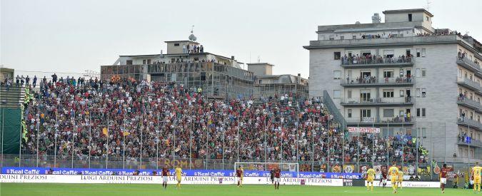 Frosinone, vietato vedere le partite dai balconi che si affacciano sullo stadio