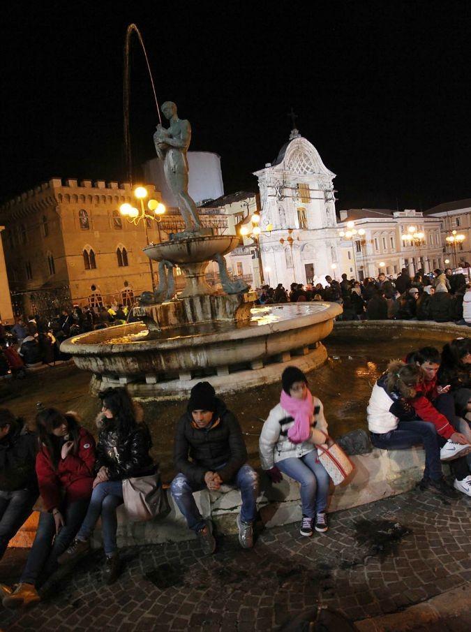 L'Aquila, da Gino Paoli a Paolo Fresu: jazzisti in piazza per la ricostruzione