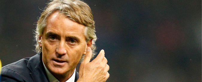 """Mancini-Sarri, la polemica: """"Mi ha dato del frocio"""". """"Ha detto che sono un vecchio cazzone"""" – Video e sondaggio"""