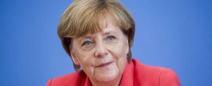 """Terrorismo, Merkel: """"La politica della Germania sui rifugiati non cambia"""""""