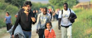 Migranti, scontri al confine tra Serbia e Ungheria: polizia usa lacrimogeni e cannoni ad acqua