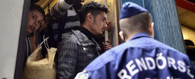"""Migranti, Austria attacca l'Ungheria: """"Deportazioni come i nazisti"""""""