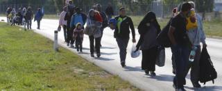 """Migranti, record di arrivi. Ungheria: """"No a piano di ricollocamenti"""". Orban: """"Carcere per immigrati illegali"""""""