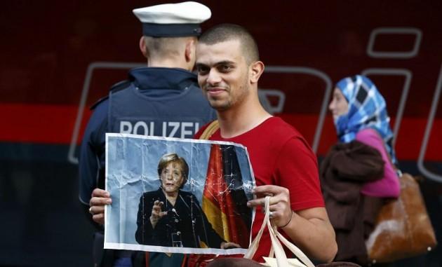 Migranti, migliaia verso Austria e Germania da Ungheria