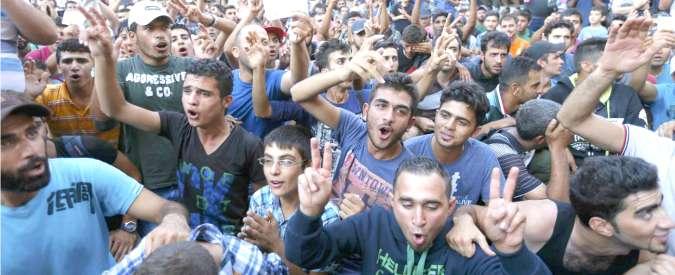 Migranti: rifugiati, asilanti o clandestini? In Ue decidono i singoli Stati. Ed è caos: afghani tutelati in Svezia, in Grecia no