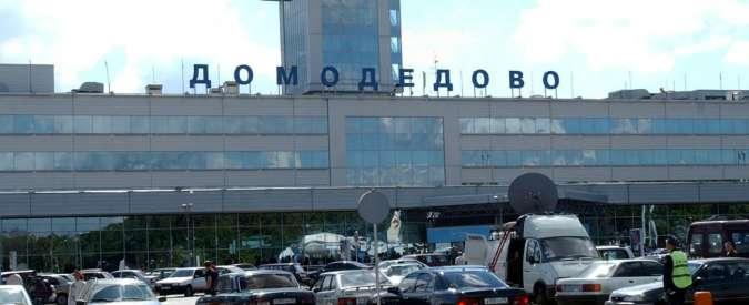 Mosca, incendio all'aeroporto Domodedovo. 3mila persone evacuate