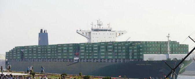 Petrolio, con il crollo dei prezzi le navi snobbano Suez e fanno il giro dell'Africa