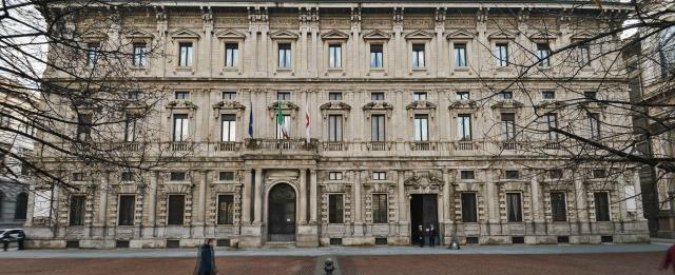 Tangenti Milano, 32 lingotti d'oro e 500mila euro in casa degli arrestati