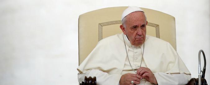 """Papa Francesco, Qn: """"Ha un tumore al cervello (curabile)"""". Vaticano: """"Notizie infondate e irresponsabili"""""""