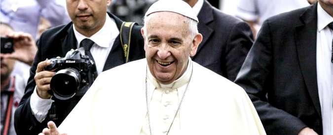 """Bergoglio rientra da viaggio Usa-Cuba. """"Papa è servo dei servi di Dio, non una star"""""""