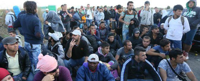 """Profughi, Berlino: """"Pronti ad accoglierne 500mila l'anno"""". Merkel: """"Grecia e Italia non ce la fanno da sole"""""""