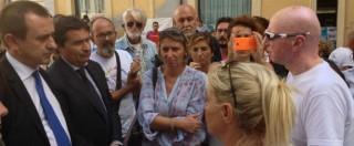 """Strage di Viareggio, protesta a Montecitorio: """"Cambiate legge o processo morirà"""". Mattarella riceverà i familiari"""