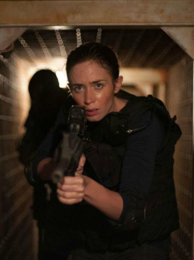 Sicario, il thriller d'autore di Denis Villeneuve arriva al cinema: storia di narcotraffico con Emily Blunt