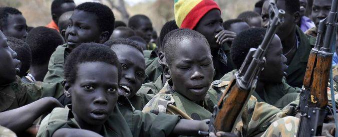 """Terrorismo, bambini soldato: """"Emergenza da combattere"""". Le conseguenze psicologiche e come intervenire"""