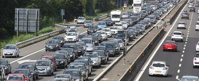 Traffico, bollino rosso per il controesodo Decine di chilometri di coda verso il Nord