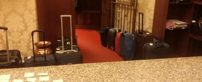 """Riforma Senato, M5S: """"Senatori già pronti con il trolley per la fuga del weekend"""""""