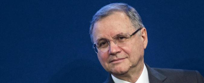 """Salvataggi banche, Visco: """"Istituti informino clienti"""". Ma la trasparenza non vale per Bankitalia"""