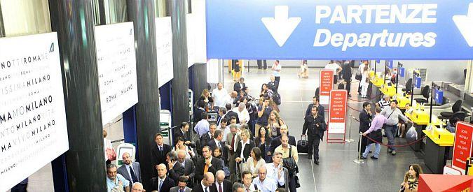 Linate, aeroporto bloccato: Piper esce fuori pista in fase di atterraggio