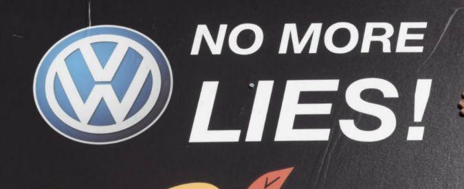 """Volkswagen, tagliato anche il rating etico. Ex dipendente licenziato accusa: """"Ha distrutto prove del Dieselgate"""""""