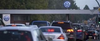 """Volkswagen, """"auto truccate anche in Europa"""". Guardian: """"Pressioni su test anche da Parigi e Londra"""""""