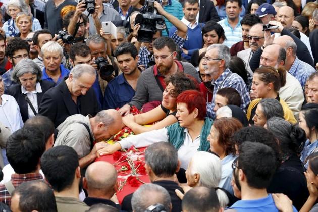 Turchia il giorno dopo, in piazza il ricordo delle vittime