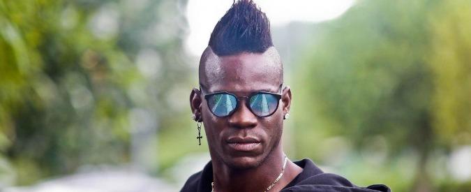 Mario Balotelli, ex lo denuncia per aver divulgato foto hard su Facebook