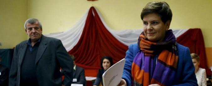 Elezioni Polonia, exit poll: vince la destra anti-Ue della candidata Beata Szydlo