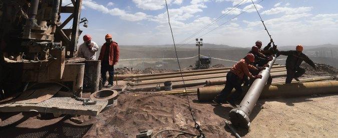 """Cina, economia in calo e scelte """"green"""": pagheranno il conto i Paesi produttori di materie prime, dal Cile all'Indonesia"""