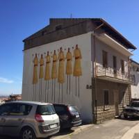 La casa dove sono nato.Murales dei ragazzi della Consulta Giovanile. Via Eleonora D'Arborea. Guspini – CA